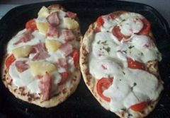 Really Easy Naan Bread Pizza