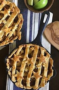 Mini Skillet USA Apple Pie in Victoria Cast Iron