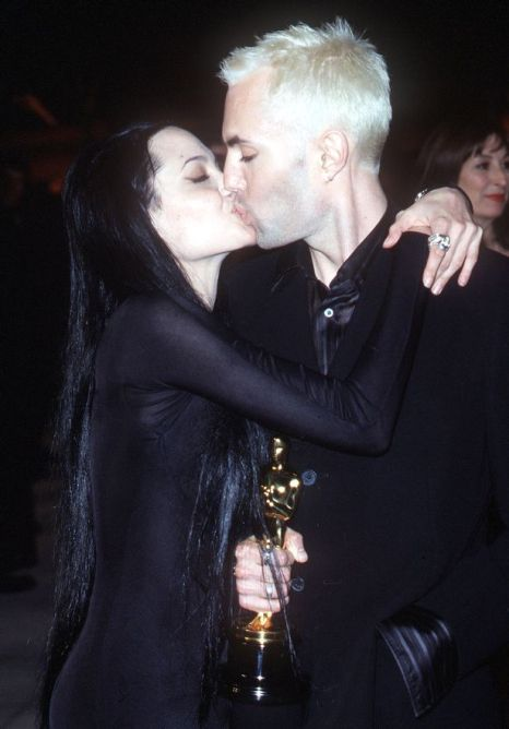angelina-jolies-hospital-stay-self-harm-and-incest-rumoursangelina-jolie-and-brother-james-haven-voight-kiss-2000
