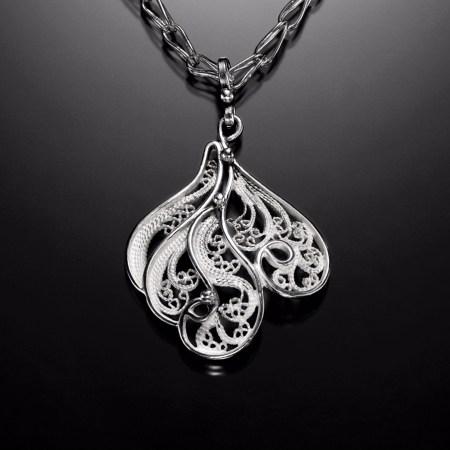 Avalon XVIII, Russian filigree pendant on a Roman chain; photo by Pat Vasquez-Cunningham