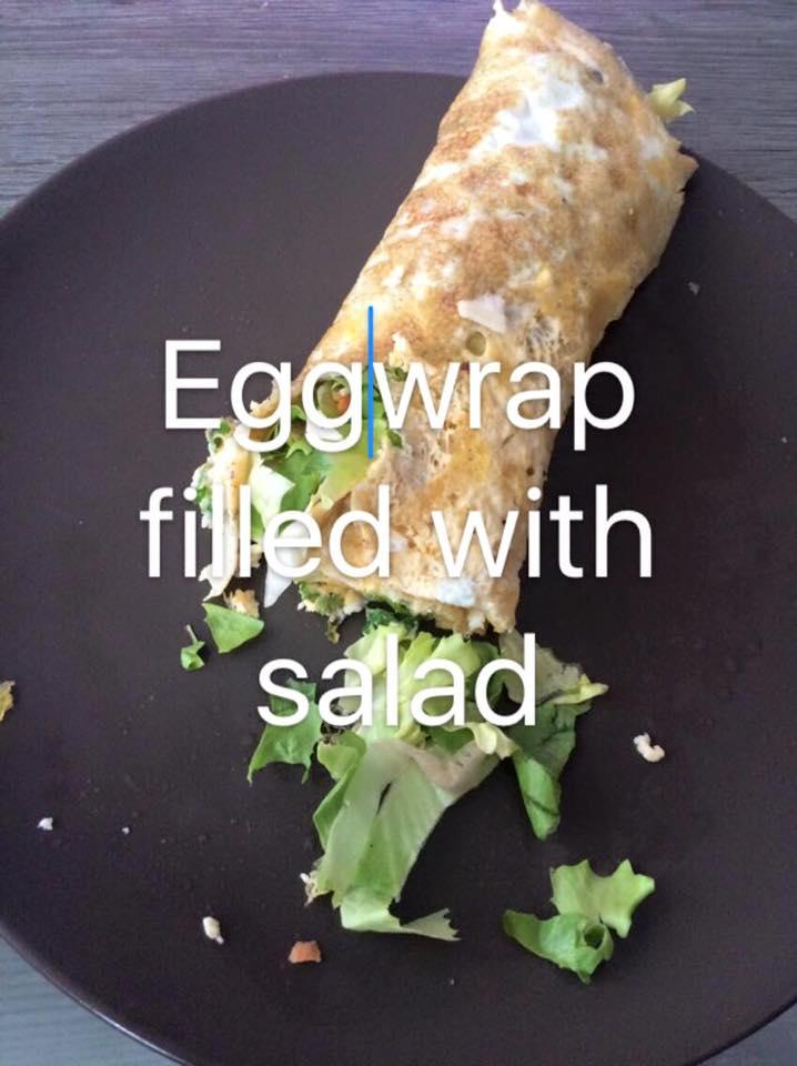 Eiwrap gevuld met salade