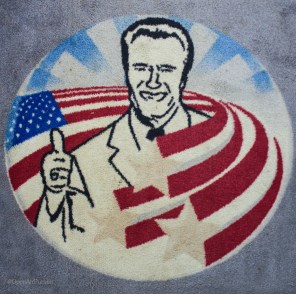 Even the rugs are Arnold-fied.