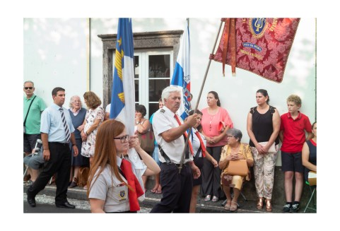 Bearing the Religious Banner
