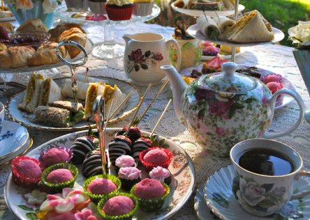 Tea & Coffee  - How To Host Afternoon Tea (3/6)