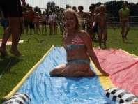 Marit op de waterglijbaan