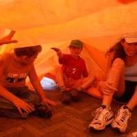 Kenny, Milan en Inge onder het zeil