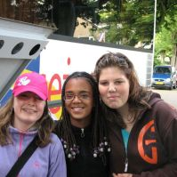 Leonie, Bjula en Manon
