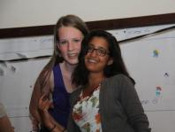 Charlotte en Rima tijdens de disco
