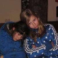 Alexandra en Dagmar kunnen hun ogen nauwelijks meer open houden
