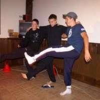 Yamiro, Bram en Anthony doen een dansje
