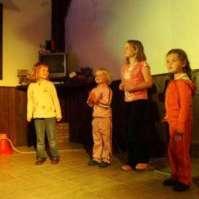 Lieke, Jessie, Robin en Lara op de bonte avond