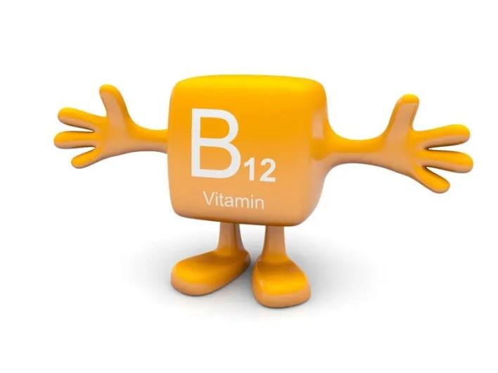 فيتامين B12