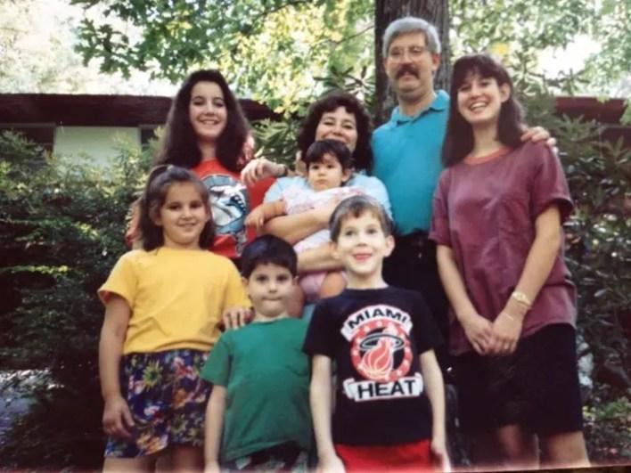ليفينسون مع عائلته