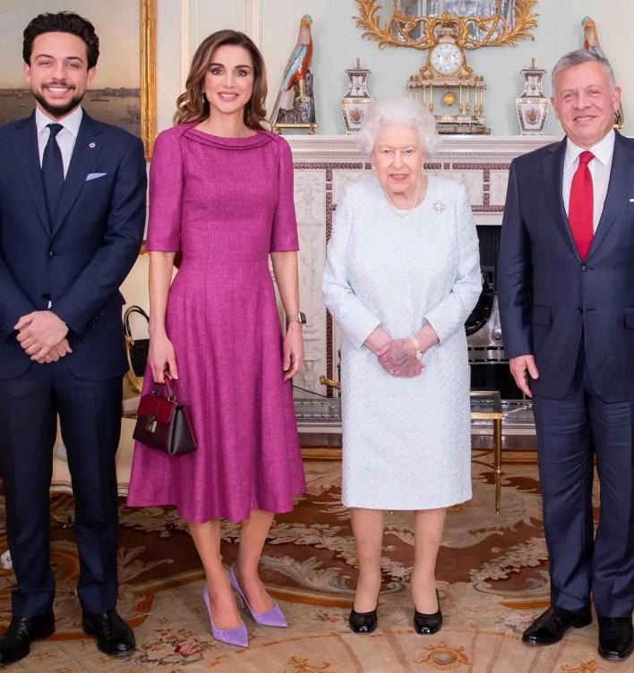 الملك عبدالله، الملكة إليزابيث، الملكة رانيا، وولي العهد الأمير حسين