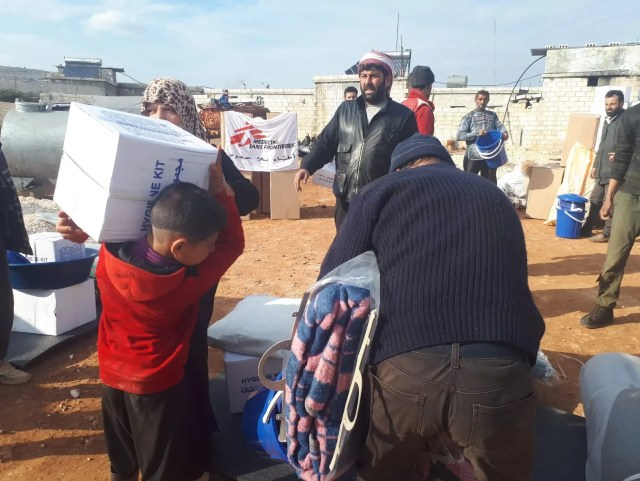 Humanitarian aid being distributed in northwest Syria. (MSF)