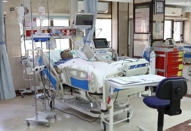 من مستشفى في طهران يوم 30 مارس