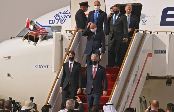 وصول الوفد الأميركي والإسرائيلي إلى أبوظبي