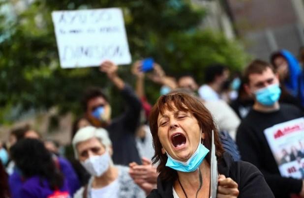 احتجاجات في مدريد ضد القيود