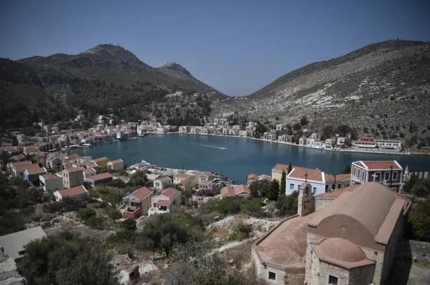 جزيرة كاستيلوريزو اليونانية قبالة الساحل الجنوبي التركي - فرانس برس