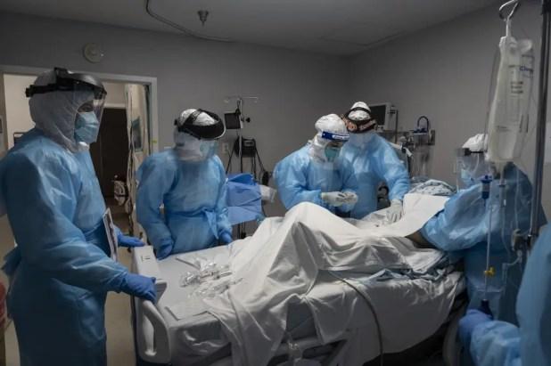 قسم العناية المركزة  لعلاج مرضى كورونا في تكساس - فرانس برس