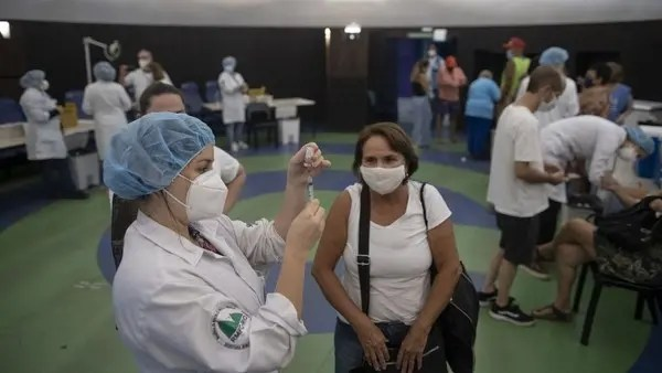 Pfizer got no response to offers to supply COVID-19 vaccine to Brazil last year
