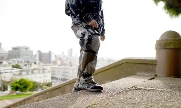 أول جهاز ذكي يقلل من آلام الركبة ويحسن الحركة