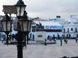 Der Hauptplatz von Tunja mit einer Reiterstatue von Simón Bolívar.