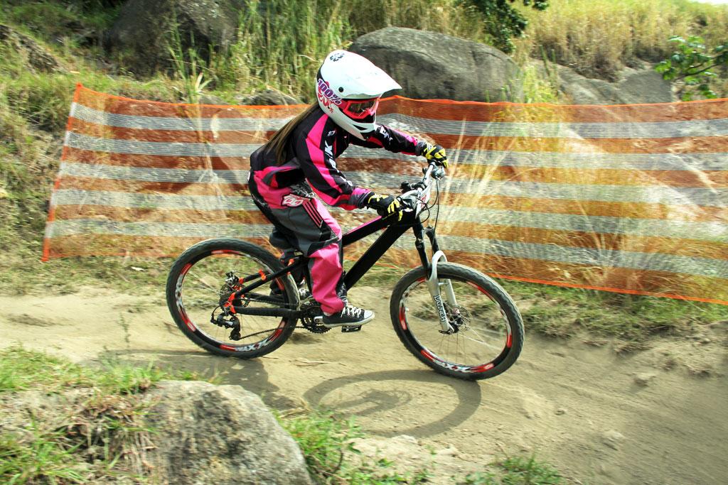 Eu-te-incentivo-Mountain-bike-downhill15