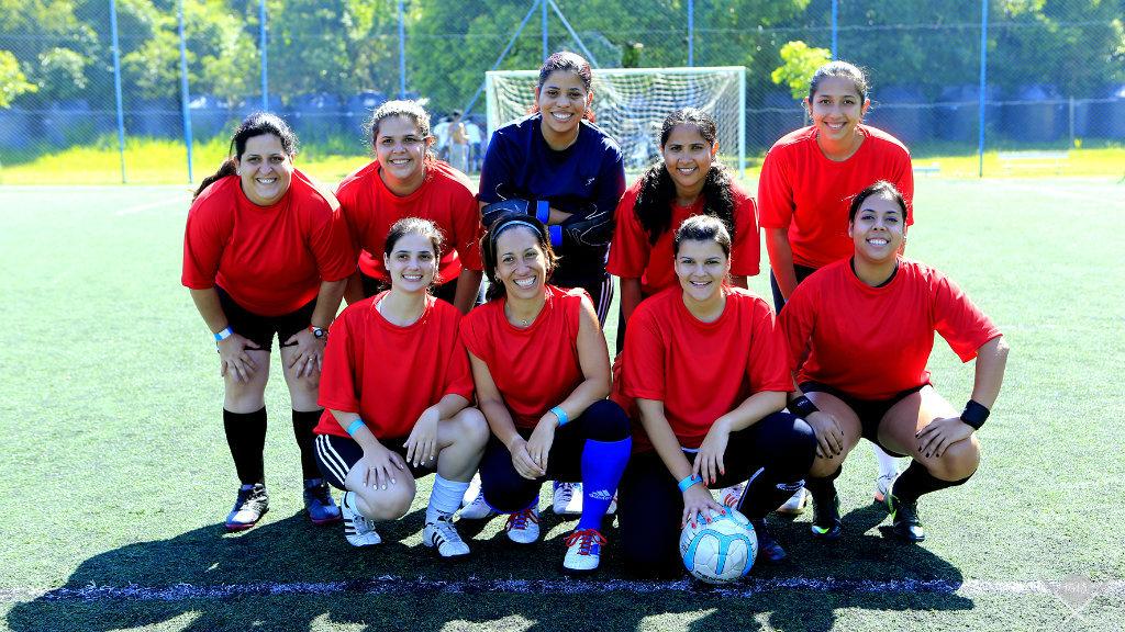 outubro rosa - futebol society