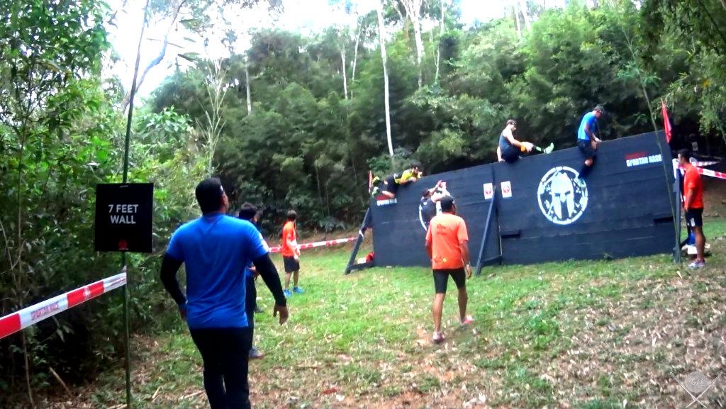 corrida spartan race 7 feet wall