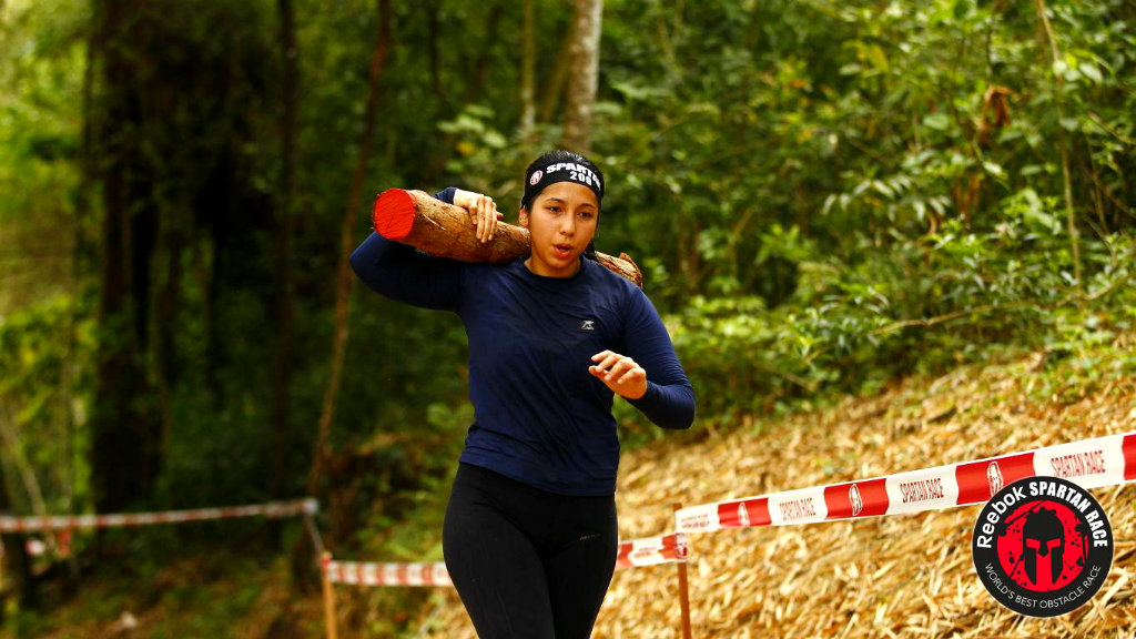 corrida spartan race log carry
