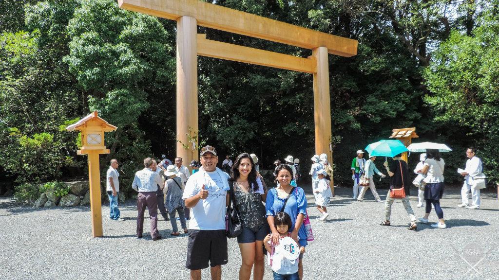 ise - inner shrine torii tsuge