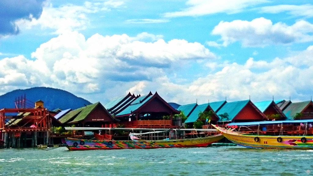 Thailand - Phuket - Fisherman Floating Village - Vida de Tsuge - VDT - 1024x576