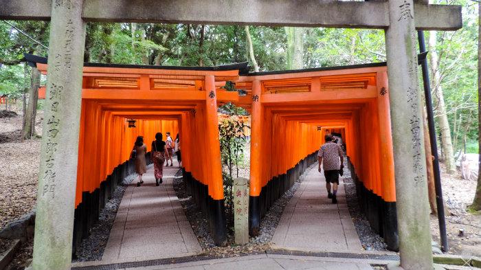 Fushimi-Inari-Taisha_Kyoto_Japão_Roteiro-20-dias-no-Japão_Next-Stop-Japão_Vida-de-Tsuge_VDT