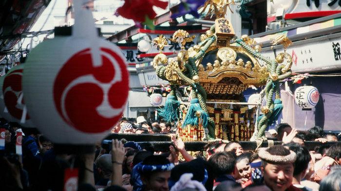 sanja-1-festival_181231_Viajando-para-o-Japão_Vida-de-Tsuge_VDT