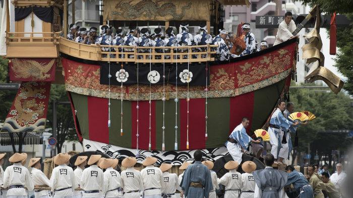 gion2-patrick-vierthaler_Gion-matsuri-em-kyoto_Cultura-Japonesa_Vida-de-Tsuge_VDT