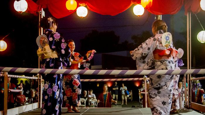 obon-odori2_Obon_Cultura-Japonesa_Vida-de-Tsuge_VDT