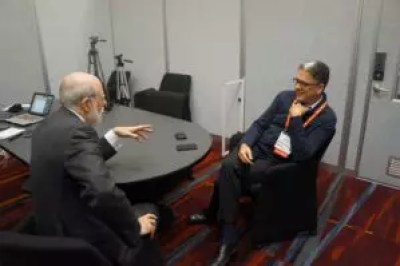 Marco Gateño y Vint Cerf, CES 2013