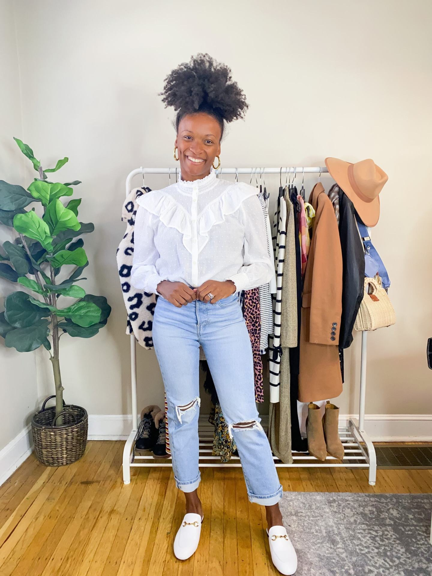 4 Ways To Style Straight Leg Jeans1