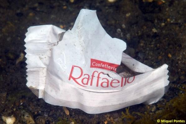 Deixalles, embolcall de Confetteria Rafaello (by Ferrero)