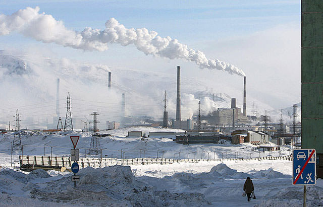 pollution_russia_norilsk_factories_emissions_mini