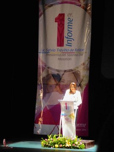 First lady Sylvia Treviño de Felton giving her report