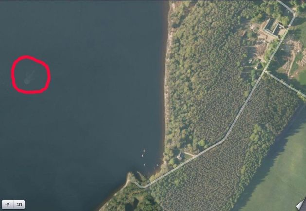 ££-Satellite-image-showing-what-could-be-the-Loch-Ness-monster