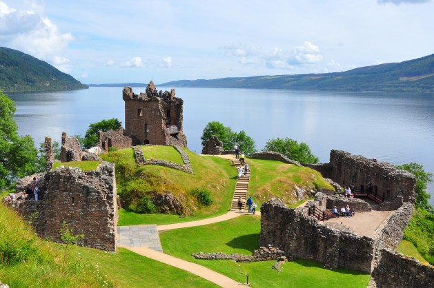 View_to_north_over_Urquhart_Castle