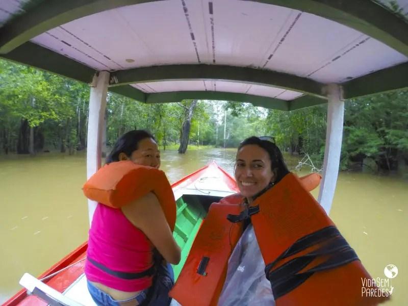 Reserva Janauari: igapó, floresta e vitórias-régias