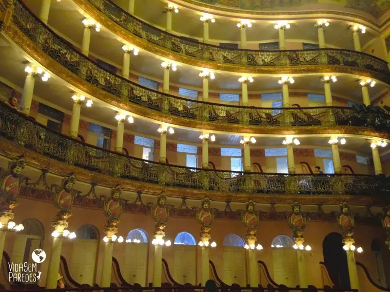 Tour no interior do Teatro Amazonas