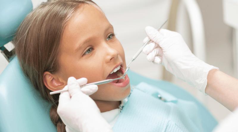 Vuelta al cole: la importancia de elegir un buen ortodoncista en niños y adolescentes