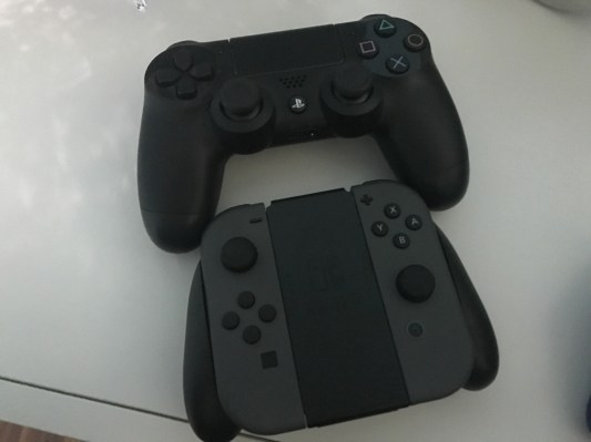 PS4 and Swtich controllers