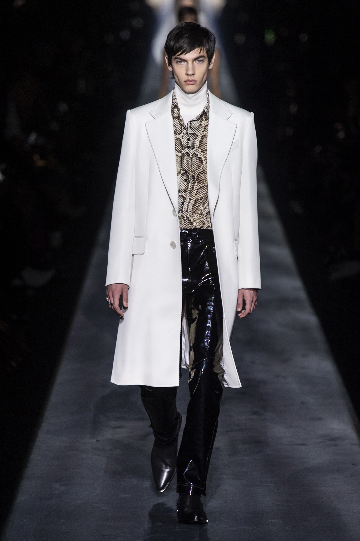 1551723733213-AW19C-Givenchy-102