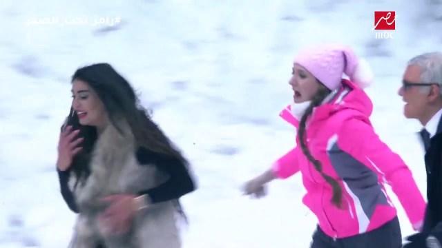 """ياسمين صبري أولى ضحايا رامز جلال في """"رامز تحت الصفر"""" (فيديو)"""